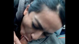 Otra mamada de mexicana arrecha antes de encontrarse con el esposo y lo salude de beso